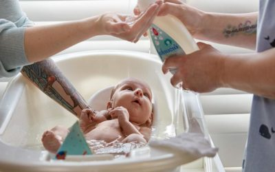 The right way to bathe a baby: Step by step, drip by drip, smile by smile