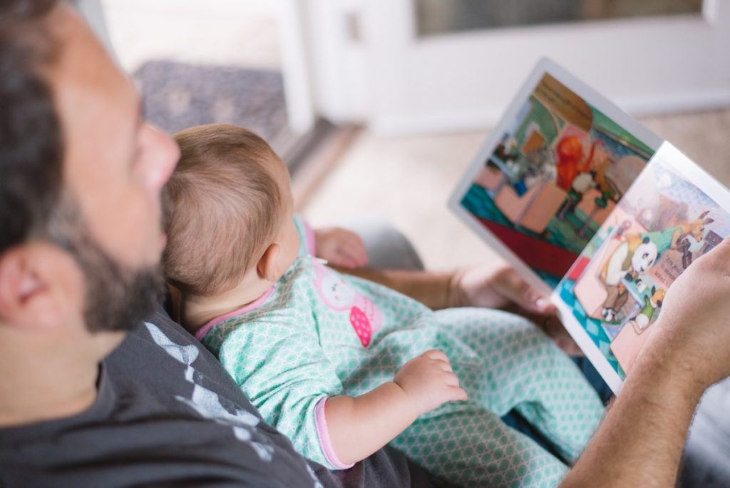 Why quiet time before bed is an important part of a healthy baby bedtime routine
