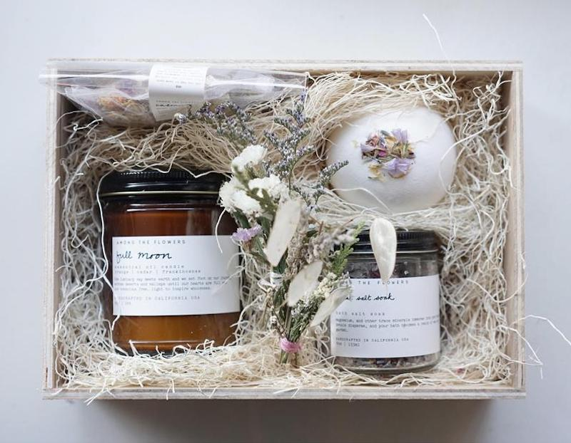 Self-care gifts for moms: A luxury spa day...at home with this calming bath kit at Shop Among the Flowers