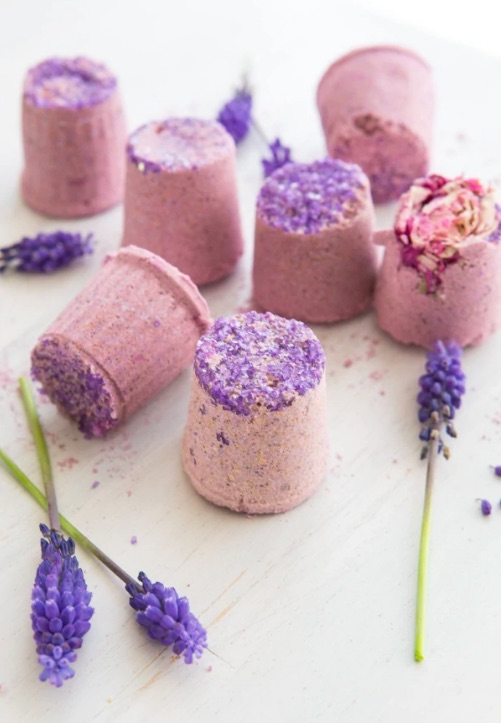 Make Mother's Day DIY bath bombs using recycled K-Cups with this recipe from The Good Stuff