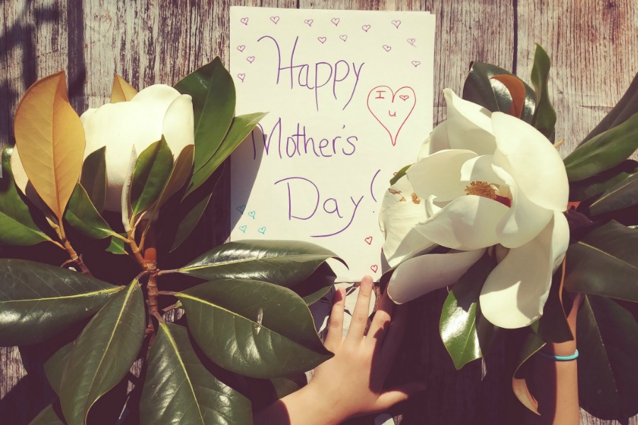 Mother's Day and grandmas: Beautifully simple ideas to help you to feel close when you're apart