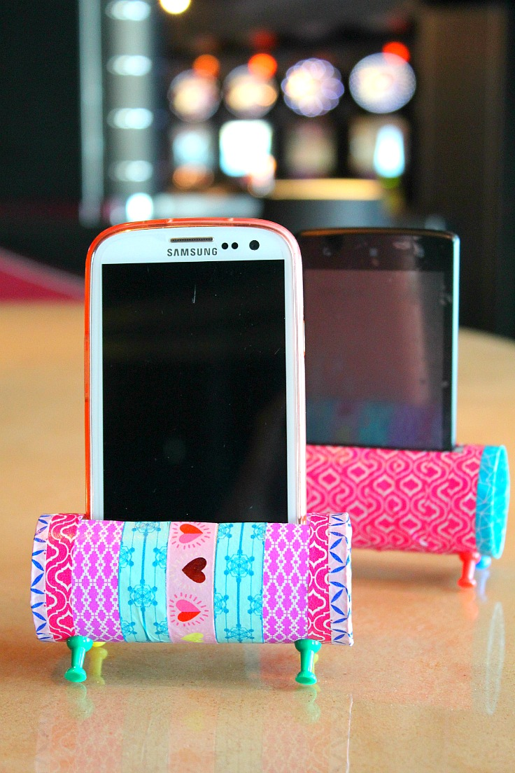 Make a phone stand for Mothers Day with instructions from Easy Peasy Creative Ideas