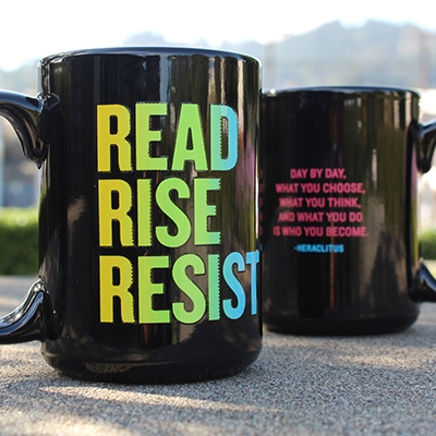 Awesome Father's Day gifts that support indie bookstores | Give Dad a mug and some coffee to enjoy with his book. We love this one from Powell's in Portland.