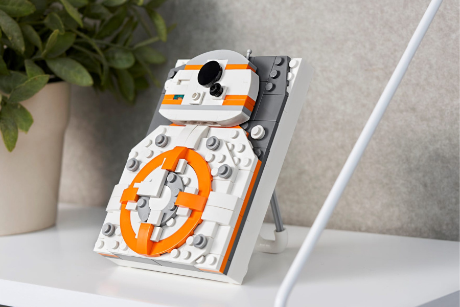The new LEGO Brick Sketch kits are 3D puzzles made for framing. Fun!