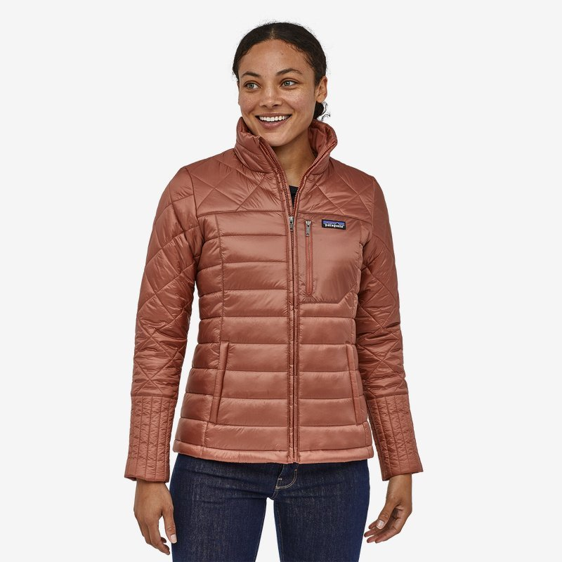 Patagonia coats for the whole family: A warm and stylish jacket for women.