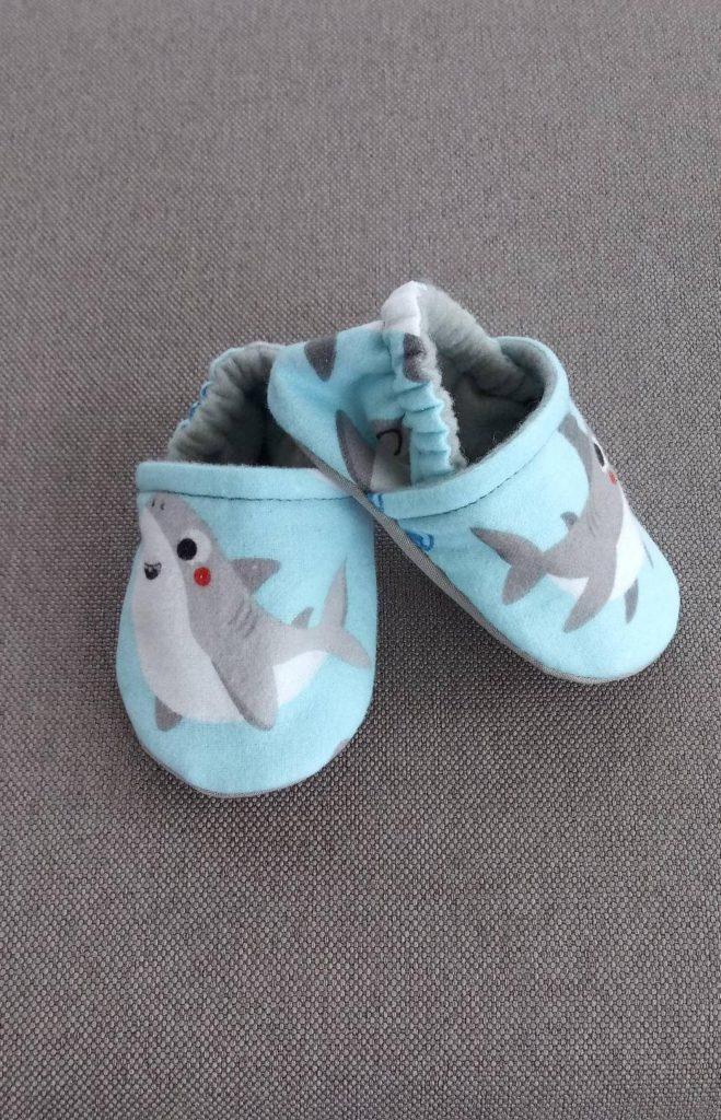 10 best baby gifts under $10: Handmade baby shark crib shoes