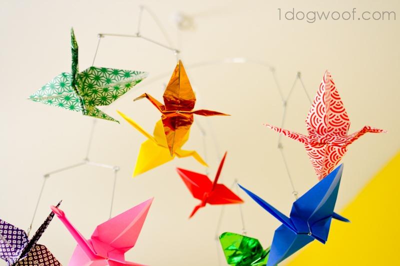 Handmade baby gifts: Origami crane mobile instructions via 1 Dog Woof
