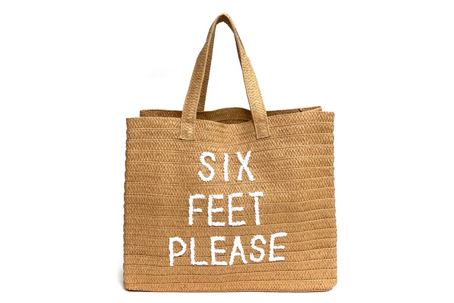 10 fashionable beach totes we absolutely love this summer