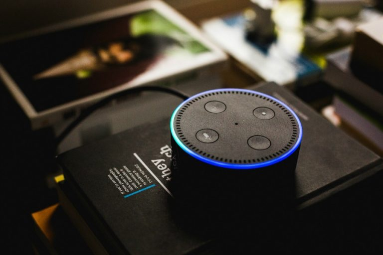 Web coolness: How to use Alexa to donate to charity, the latest Twitter war, and how to customize your phone's app icons