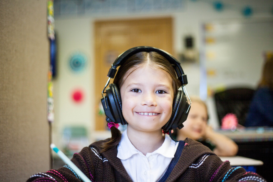 These 4 excellent mindfulness podcasts for kids help soothe the scaries of the world