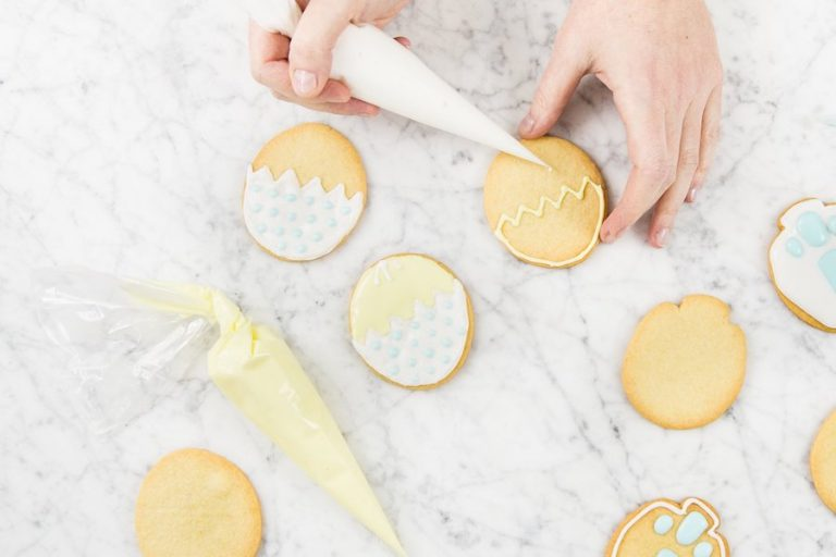 This easy DIY Easter cookie kit helps you make no-fail perfect creations!