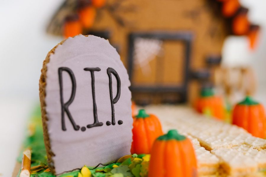 DIY haunted gingerbread houses for Halloween: Our favorite tips to make yours extra fun